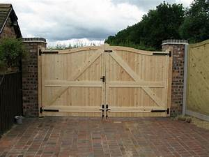 Wooden Fence Gate Image Of Wooden Driveway Gate Designs