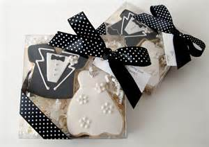 wedding guest favors custom wedding favors bridal shower favors from l v couture cookies chagne