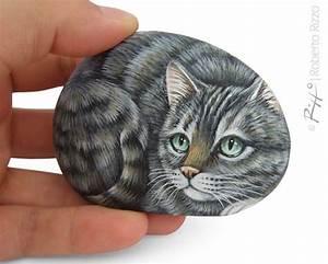 Steine Bemalen Katze : irresistible tiger cat miniature handpainted on a sea pebble cat painting on a stone unique ~ Watch28wear.com Haus und Dekorationen