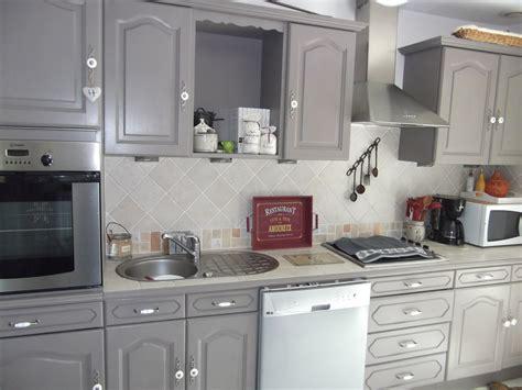 peinture meuble cuisine chene agrable peindre armoire cuisine chene vos les