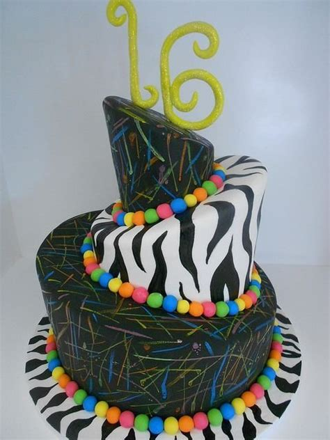 stunning sassy sweet  birthday cakes food