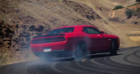 video dodge challenger srt hellcat  drifting gtspirit