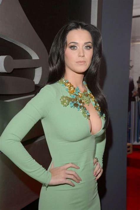 Katy Perry's Awesome Cleavage - Barnorama