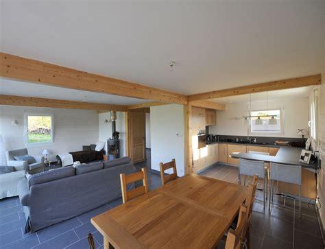 amenagement cuisine ouverte maison à ossature bois avec bardage canexel nos maisons