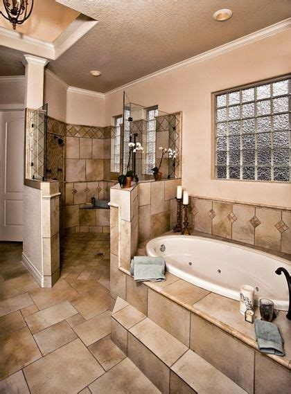 Jacuzzi tub, Walk in shower   Bathroom   Pinterest