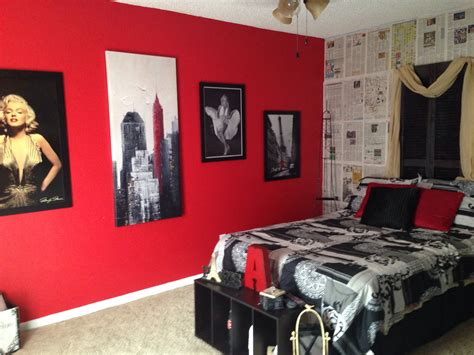 room decorations my daughter s marilyn monroe picture collage wall paris themed bedroom bailey s room