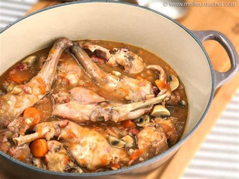 cuisiner un lapin au vin blanc lapin nos recettes meilleurduchef com
