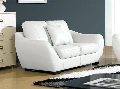 nettoyer canapé cuir blanc phenomenal nettoyer un canape nettoyer canape cuir beige clair cinerama me