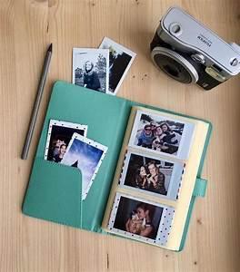 Album Photo Polaroid : best 20 instax photo album ideas on pinterest polaroid ideas polaroid instax and polaroid crafts ~ Teatrodelosmanantiales.com Idées de Décoration