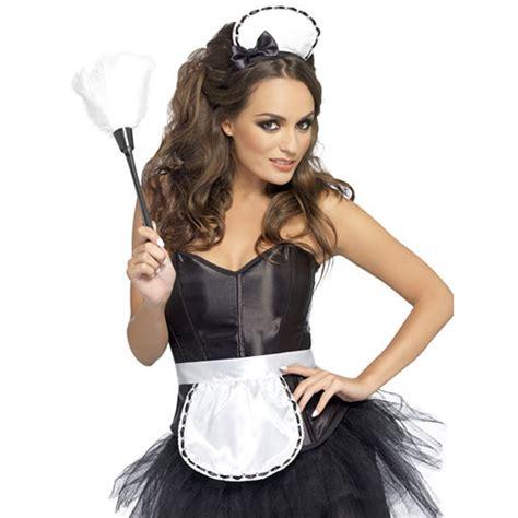 deguisement femme de chambre kit soubrette coiffe tablier et plumeau accessoires