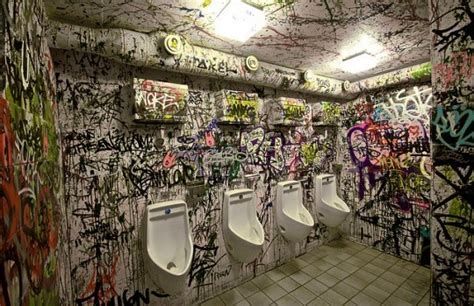 25 Weird Toilets Of The World