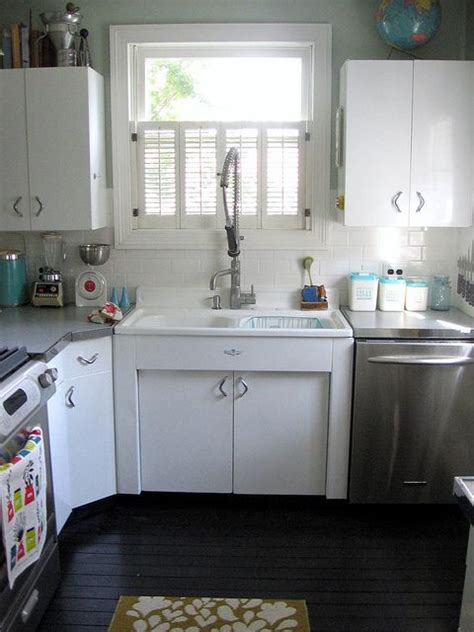 Youngstown Metal Kitchen Sink by 25 Best Ideas About Metal Kitchen Cabinets On