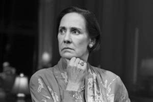 Strong Female Lead: Roseanne's Laurie Metcalf Takes on ...