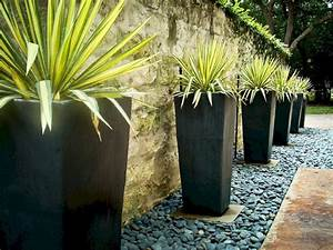 30 Best Contemporary Outdoor Planters Design For Beauty