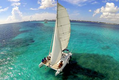 Barco Catamaran Cancun by Catamaran Isla Mujeres Tour