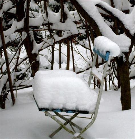Stuehle Im Schnee by Garten Anders Sitzpl 228 Tze Im Schnee Vergessene St 252 Hle Und