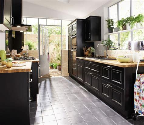 cuisine taupe et noir dimension salle de bain