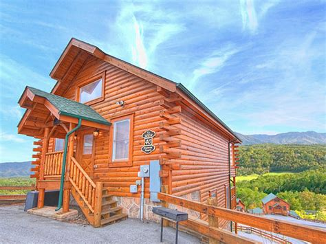 4 bedroom pet friendly cabins in pigeon forge tn pigeon forge cabin above and beyond 1 bedroom sleeps
