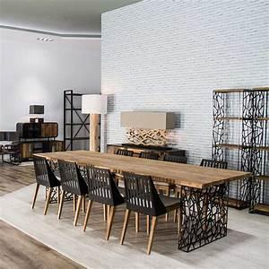 Table salle a manger avec pietement en metal asymetrique for Meuble salle À manger avec chaise de salle a manger en bois