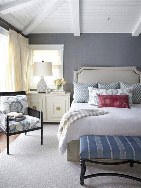 couleur tapisserie chambre chambre bleu et gris idées déco en tons neutres et froids
