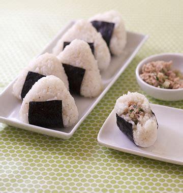 recettes cuisine japonaise onigiri au thon et concombre cuisine japonaise les