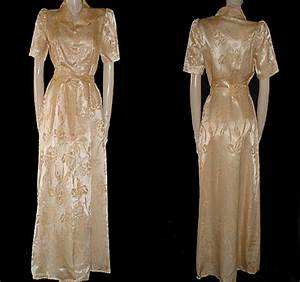 vintage 1940s kamore satin dressing gown in gold dust With 1940s robe
