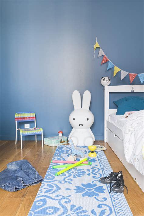 chambre peinte en bleu le magazine ripolin quelle couleur associer au bleu