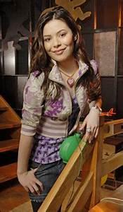 Miranda cosgrove hot looking