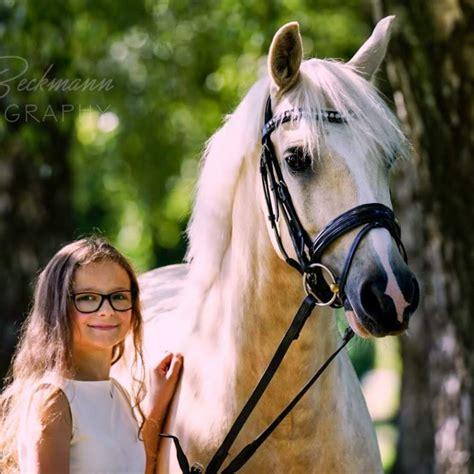 Angelinas Ponytraum - YouTube