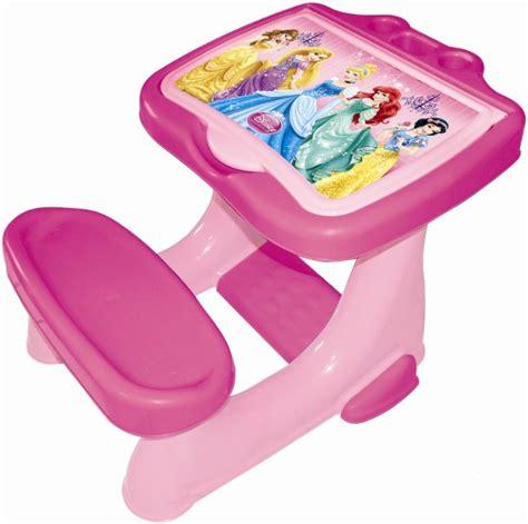 bureau princesse disney d 39 arpèje bureau d 39 activités avec set de coloriage princess