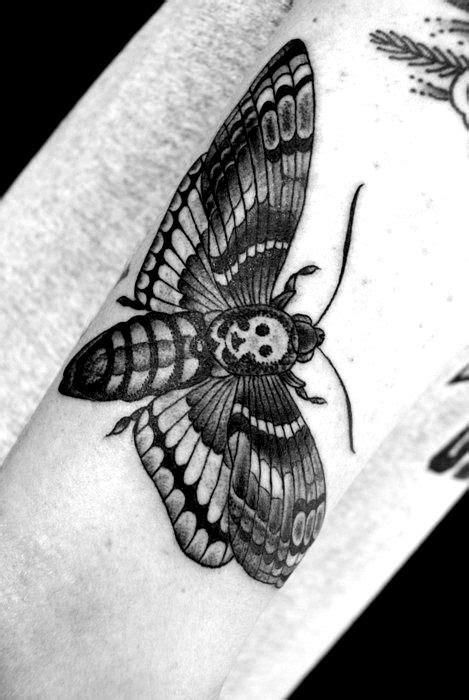 hawk moth papillon sphinx tattoos moth tattoo