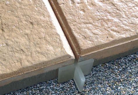 platten legen terrasse terrassenplatten verlegen terrasse bauen mit obi