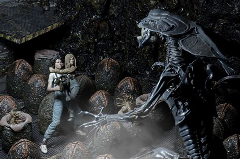 discontinued aliens  anniversary rescuing newt
