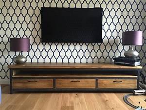 Papier Peint Style Industriel : personnalisez votre salon avec le meuble tv industriel ~ Dailycaller-alerts.com Idées de Décoration