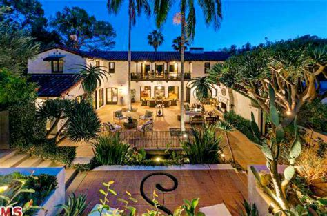 courtyard house plans jim parsons unloads his california home houston chronicle