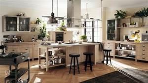cuisine industrielle l39elegance brute en 82 photos With idee deco cuisine avec cuisine rustique