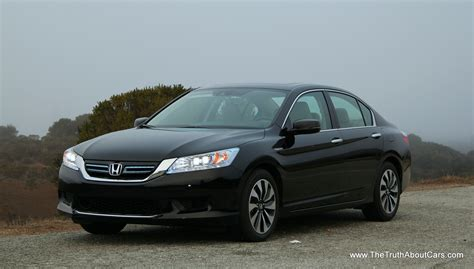 Review Honda Accord by Review 2014 Honda Accord Hybrid With The