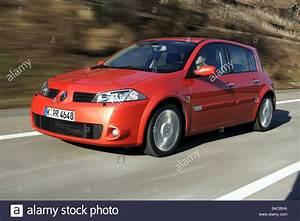 Auto  Renault M U00e9gane  Megane 2 0 16v Sport  Modelljahr 2004