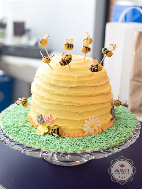 bumble bee cake banana cake  honey buttercream