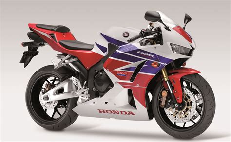 honda cbr range honda axes cbr600rr sportsbike from 2017 range image 513966