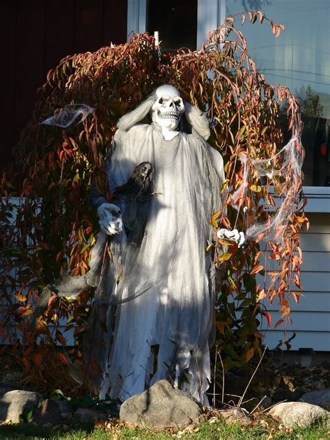 scary decorations 40 funny scary halloween ghost decorations ideas