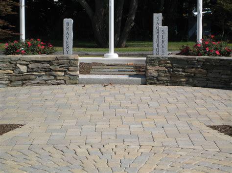interlocking concrete pavers retaining walls  connecticut