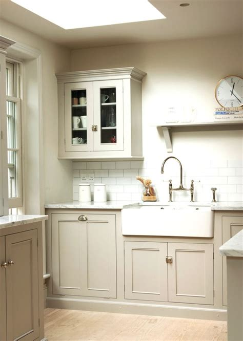colour for kitchen cabinets the classic kitchen by devol like the color 5590