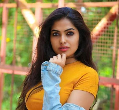 Divi Vadthya Wiki, Age, Height, Boyfriend, Family, Biography & More - WikiBio