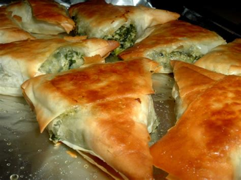 tringle cuisine spinach triangles recipe genius kitchen
