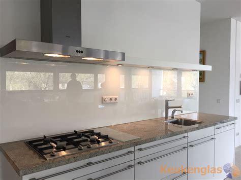 Achterkant Keuken by Witte Keuken Achterwand Glas In Leidschendam Keukenglas