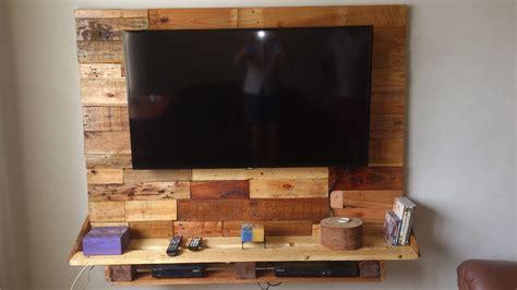 simple wall bed painel de madeira de pallet para tv r 480 00 em mercado