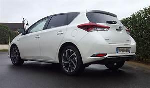 Essai Toyota Auris Hybride 2017 : toyota auris hybride 5 en voiture carine ~ Gottalentnigeria.com Avis de Voitures
