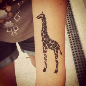 Best 25 Giraffe Tattoos Ideas On Pinterest Baby Giraffe Tattoo Small