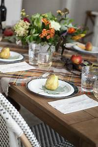 Simple Fall Tablescape | Fall Tablescape Ideas | Chinet®  Fall